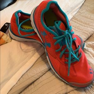Under Armour tennis shoes coral and blue